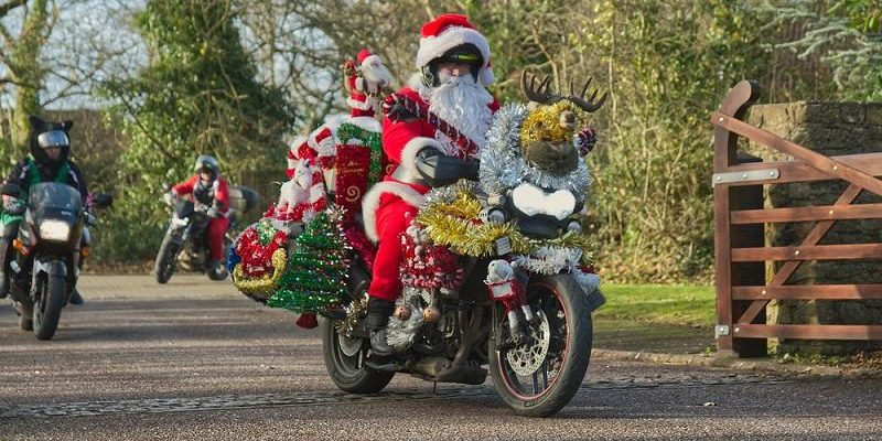 Santas on a BIke at LBH 2019 picture by Will Badman Photography 22