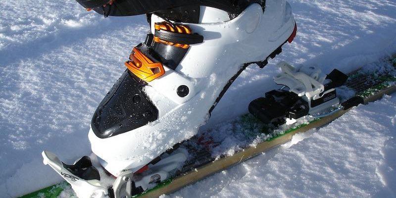 queens college taunton rosie east ski boots