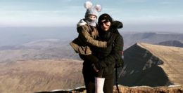 one_news_taunton_mum_heads_to_everest_base_camp